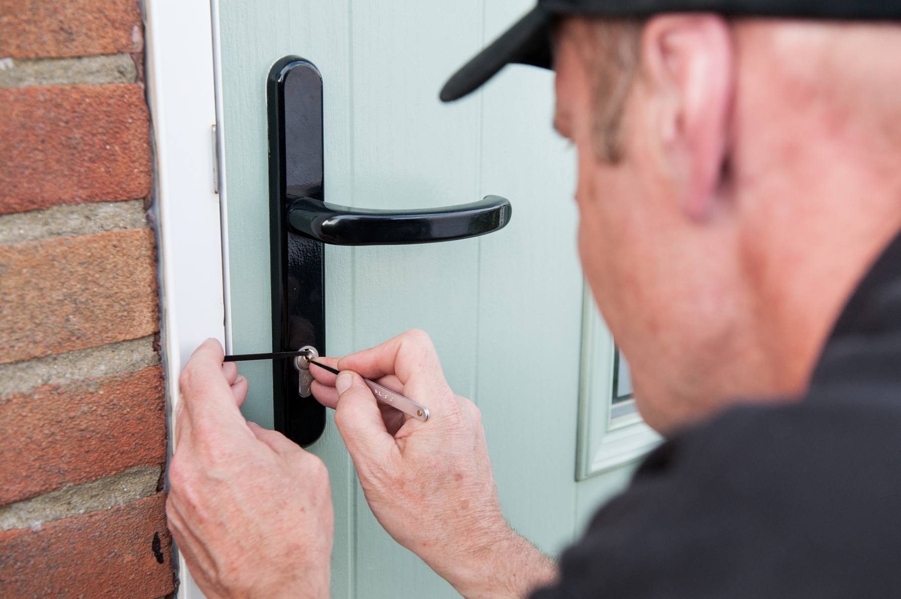 Time Is Working Out! Assume About These 10 Methods To vary Your Locksmith